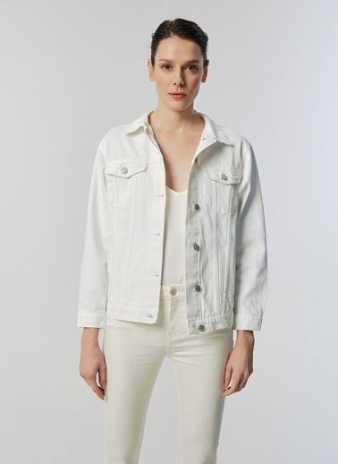 Monamoda Çift Cepli Jean Ceket Beyaz